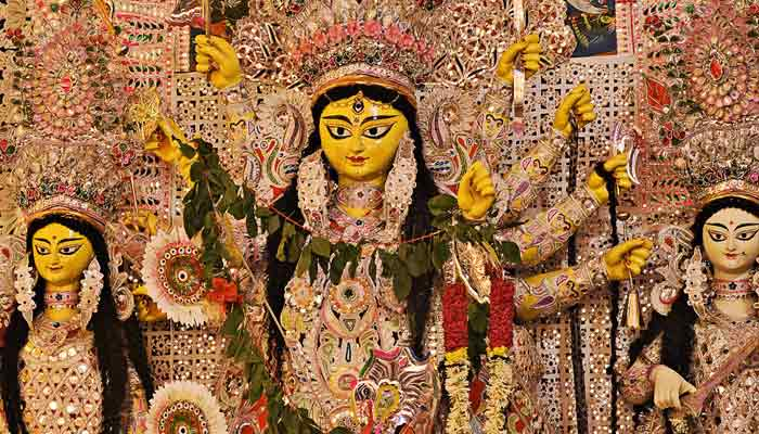 Durga-Puja-It-is-rainy-idols-will-not-get-enough-time-to-dry--sculptor