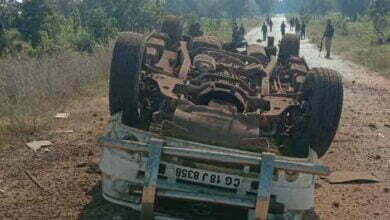 Photo of बीजापुर में नक्सलियों ने मचाया उत्पात, सूमो वाहन को ब्लास्ट कर उड़ाया