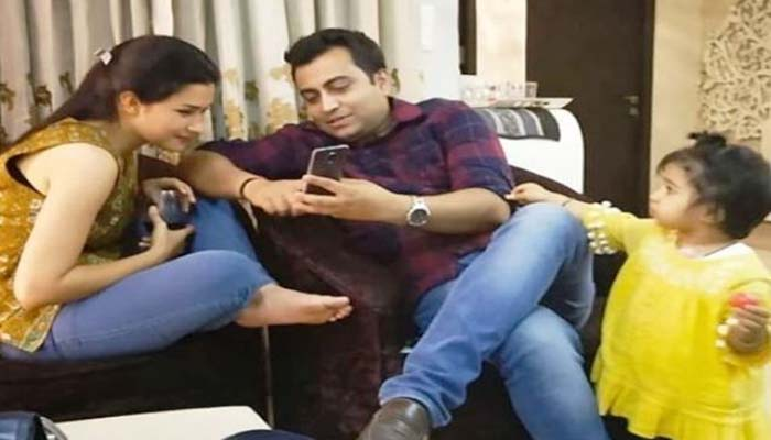 Meeanakshi Joshi Akhilesh Anandd news Anchor
