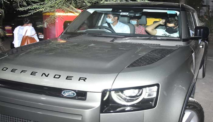 Arjun Kapoor bought Land Rover Defender, know the price of the car
