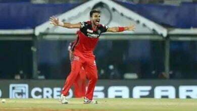 Photo of IPL 2021 में हर्षल पटेल ने एक ही मैच में MI के 5 बल्लेबाजों को भेजा पवेलियन